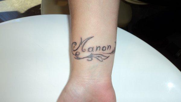 Pin tatouages poignet calligraphie criture on pinterest - Tatouage bracelet poignet avec prenom ...