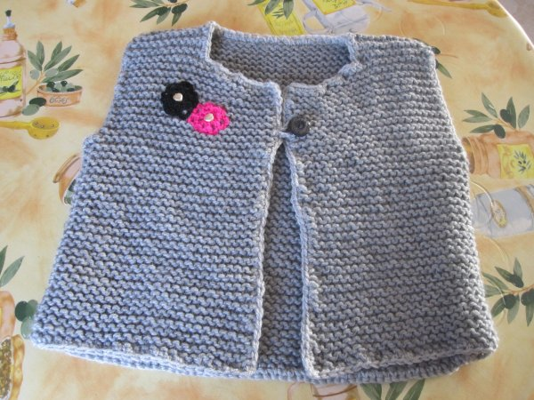 Gilet court sans manches au tricot blog de le tricot de marcelle - Tricot assembler les manches ...